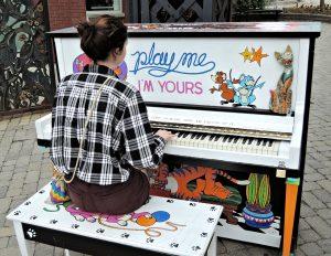 pianist-908030_1280