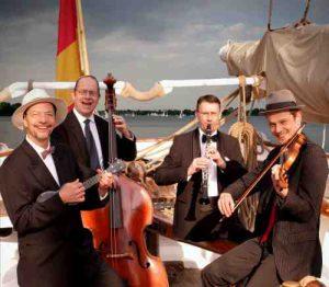 Salonorchester Gnadenlos – Von Hamburg nach Tahiti @ Parkresidenz Alstertal