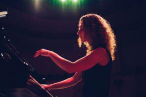 Bilder einer Ausstellung - ein Klavierzyklus voller Phantasie @ Burg Henneberg | Hamburg | Hamburg | Deutschland